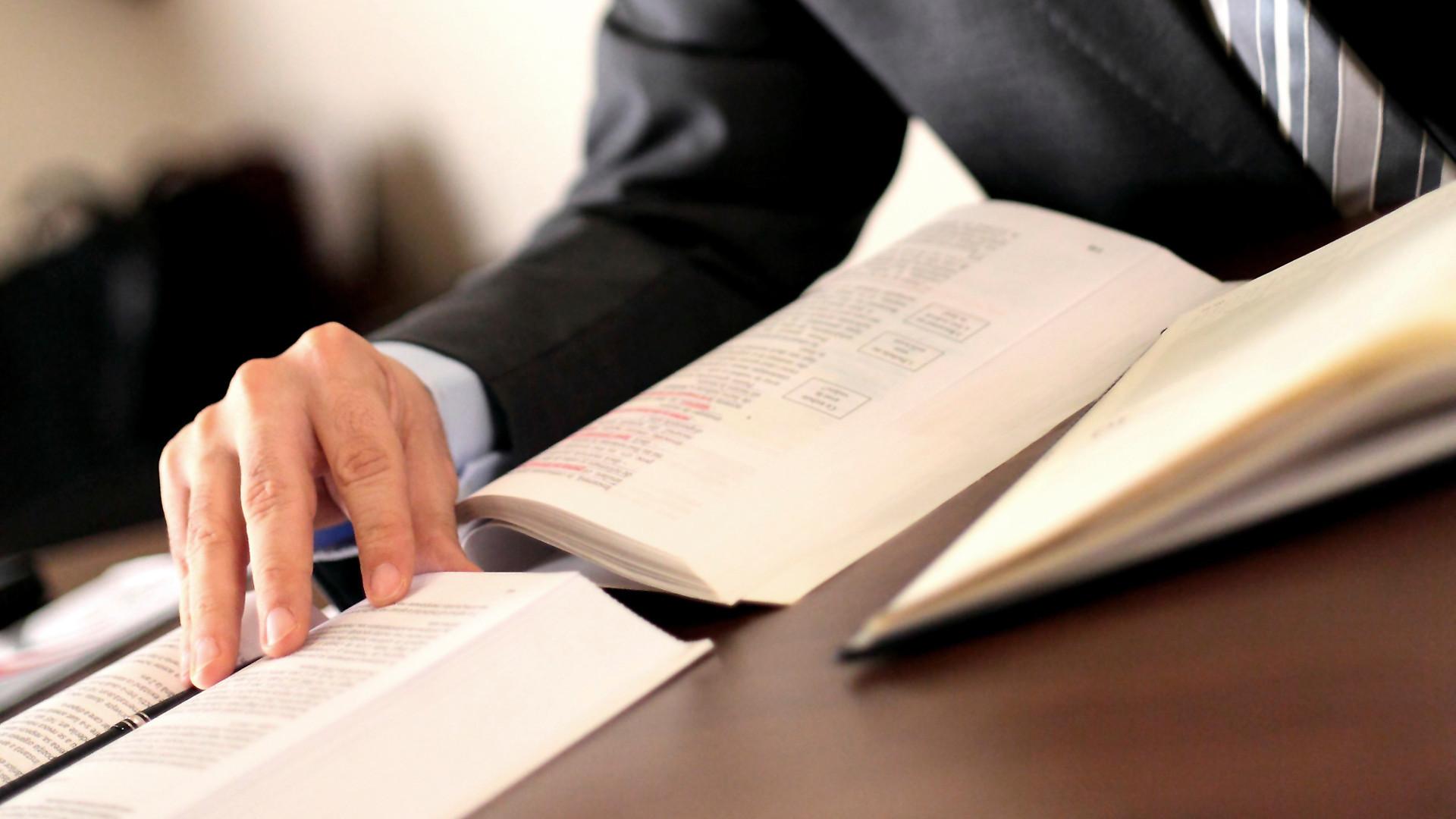 Expert Lawyer Services für die Geltendmachung von Schadensersatzansprüchen